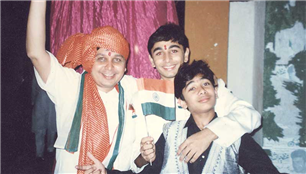 Rajendra Darda celebrating Independence Day with school boys Karan and Rishi.