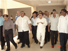 Industry minister Rajendra Darda visited Nashik Engineering Cluster at Nashik, on May 20, 2010. Also seen is Cluster chairman Vikram Sarda.