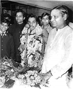 Rajendra Darda being felicitated by Nagpur Lokmat, before flying to England for higher studies, 1972