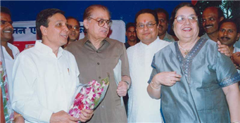Rajendra Darda with Dr Rafique Zakaria.