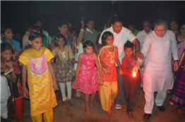 Rajendra Darda celebrating Diwali with underprivileged children.